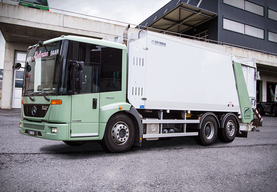 Mercedes Benz Econic 2633 Hecklader, Ladevolumen: 22.5 Kubikmeter, Nutzlast: 10.5 Tonnen, Containerentleerung bis 800 Liter
